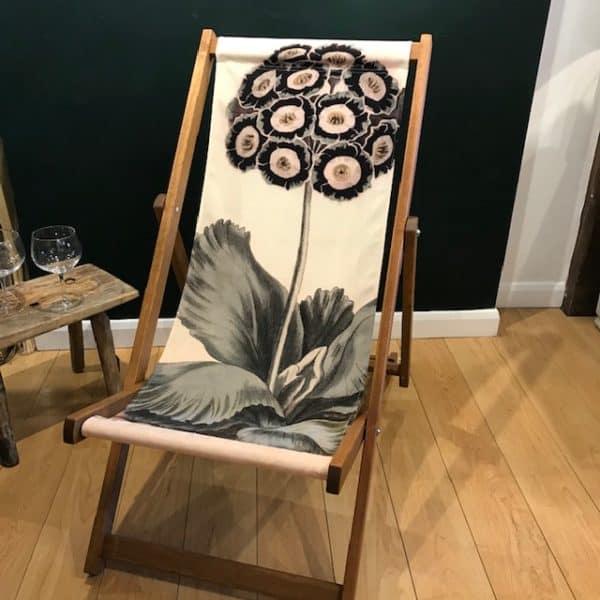 Auricula deck chair
